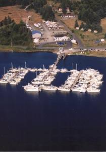 Islands Marine Center image