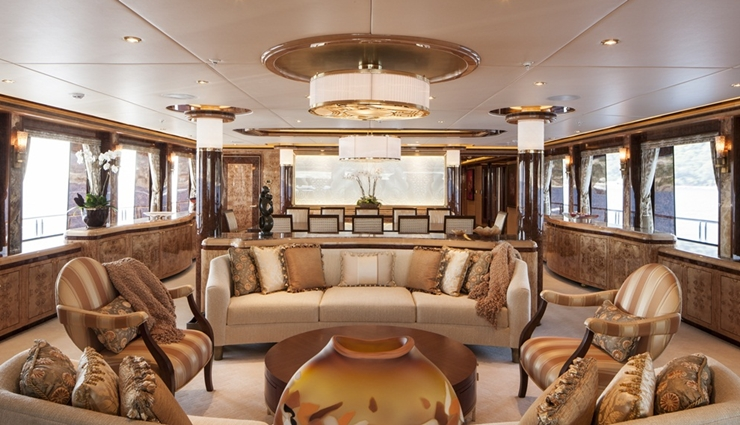 The main saloon aboard Lady Linda