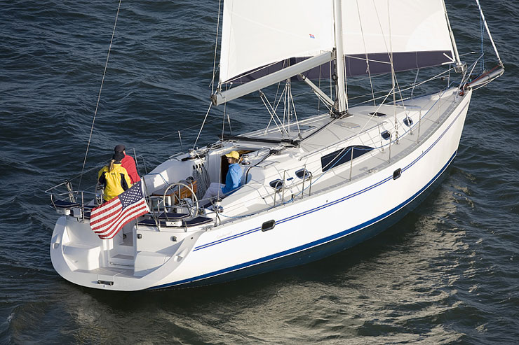 The Catalina 445 hasn't even been around for a decade as of yet, but it's proven quite popular and there are over two dozen on the brokerage market today.