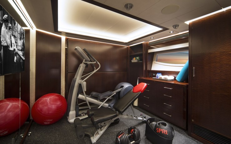 Clients can also choose four staterooms below decks or three cabins with a gym. Furthermore, Westport will move non-structural bulkheads for more tailored layouts, something not all semi-custom builders do.