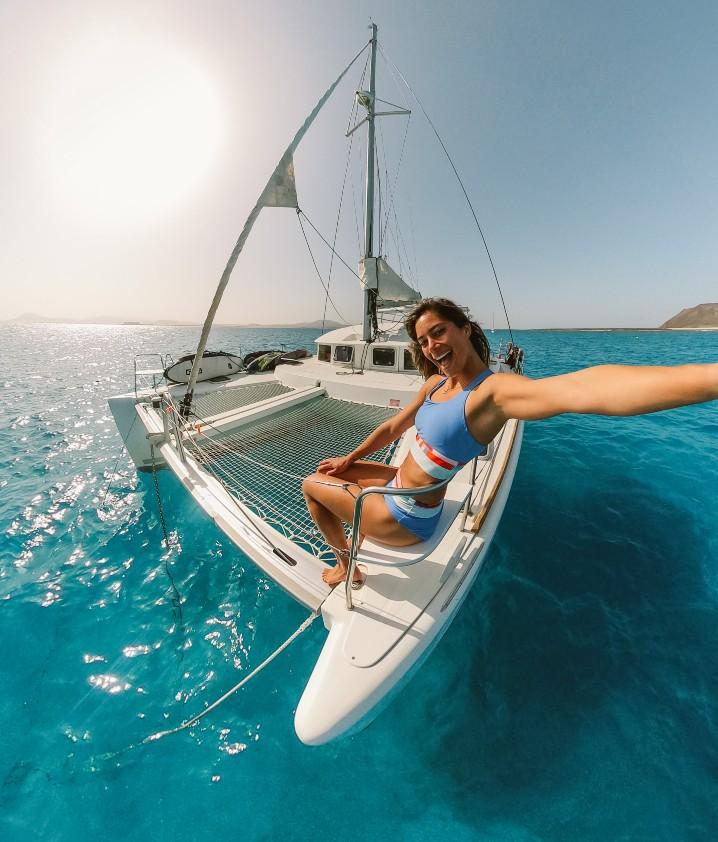 Zia-Suarez-playing on-a-Lagoon-380-Catamaran