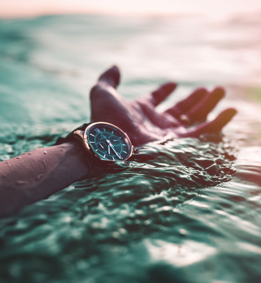 Luxury-marine-watch