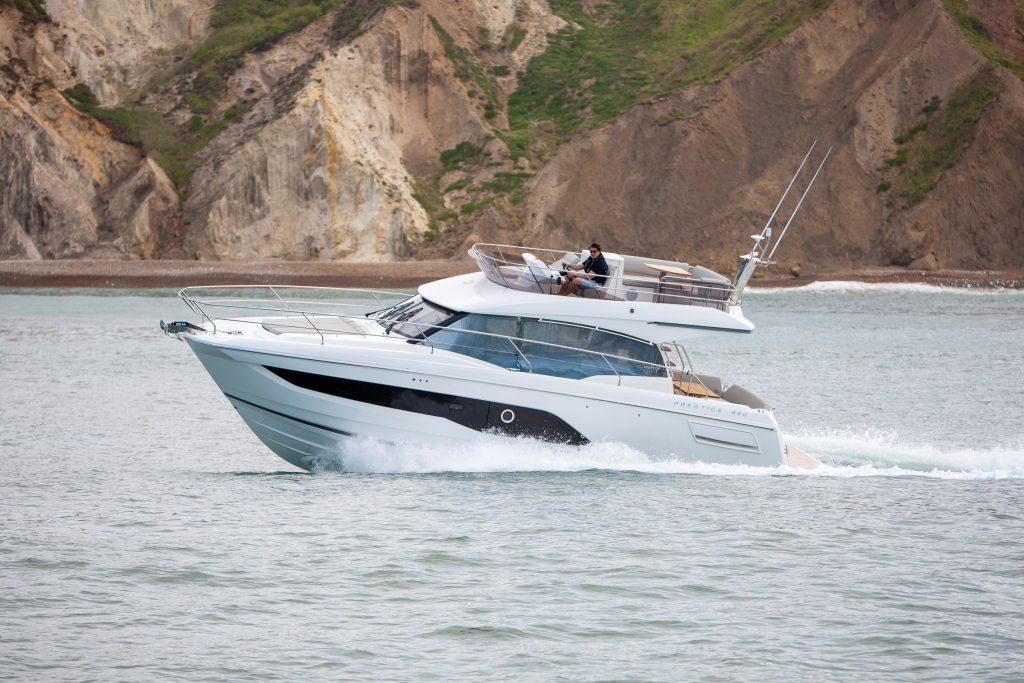 Prestige 420 yacht