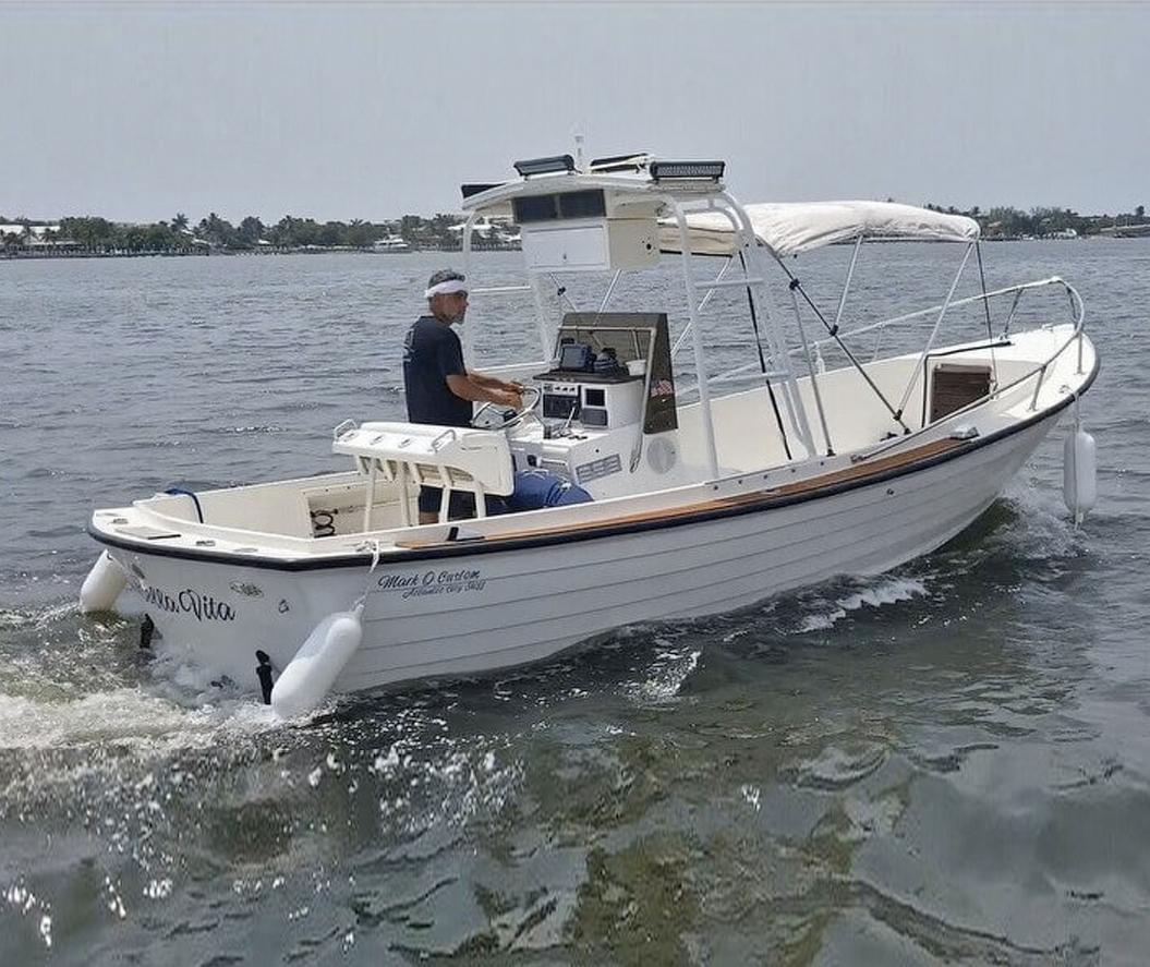 An Atlantic City Skiff by Mark O Custom Boats set up as a dinghy. Photo: Pop Yachts / Mark O Custom Boats.