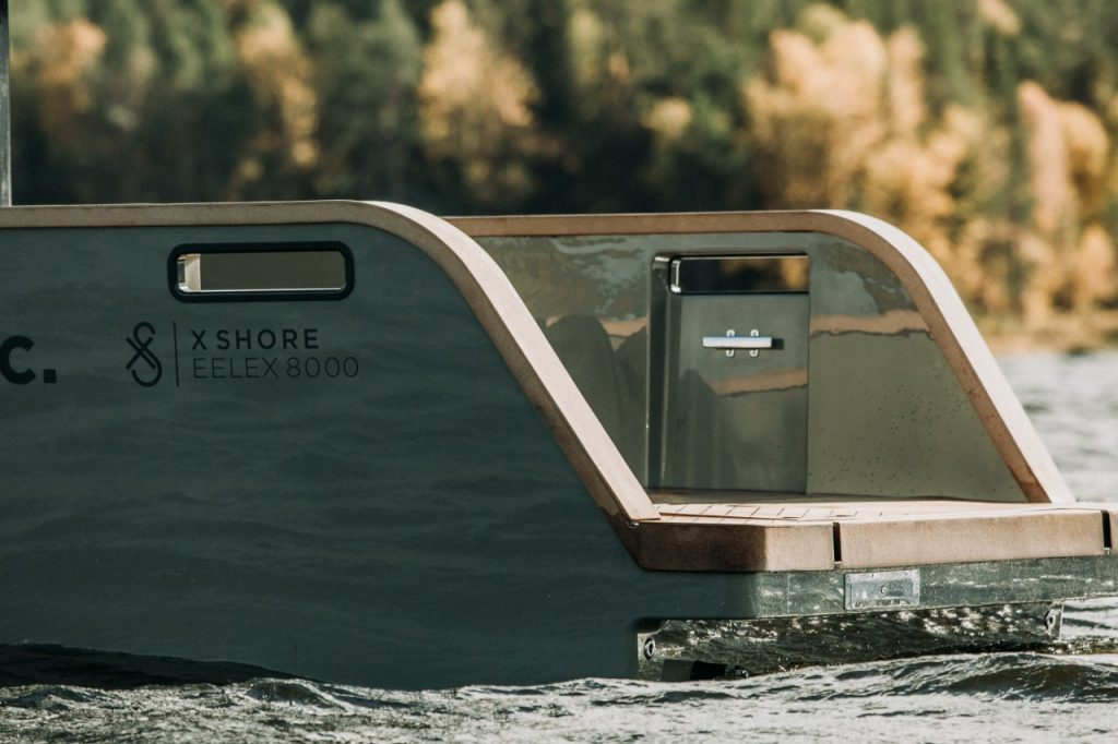 X-Shore's-electric-boat-cruising-in-a-lake