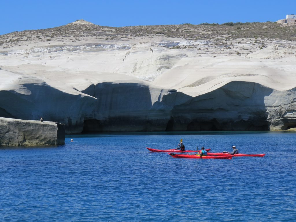 Milos Sarakiniko kayaks