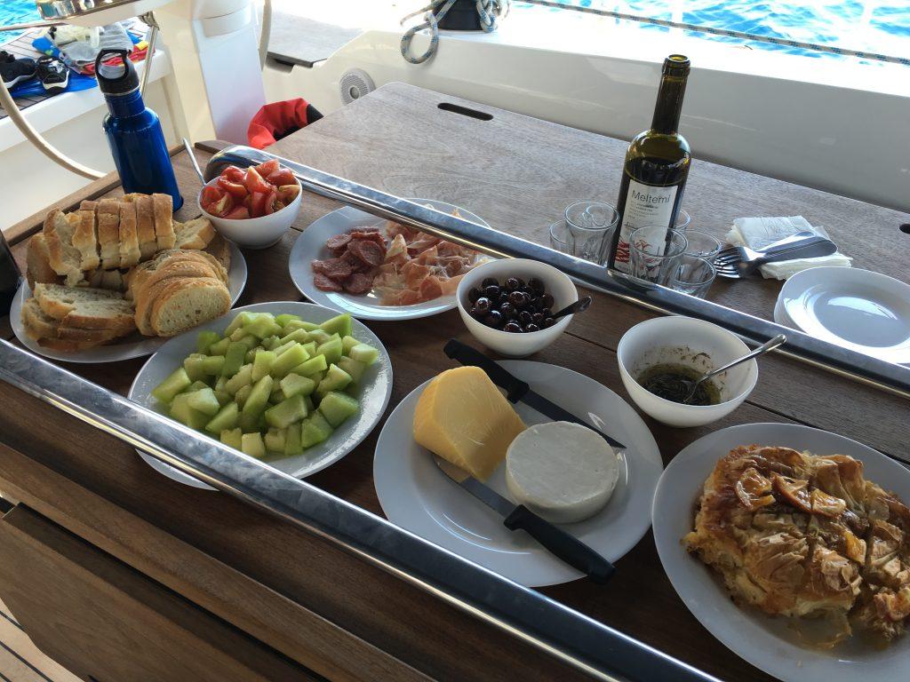 Milos lunch
