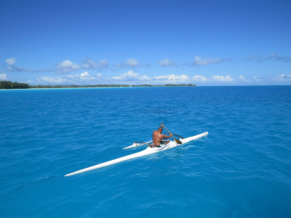 Pirogue Tahiti sail