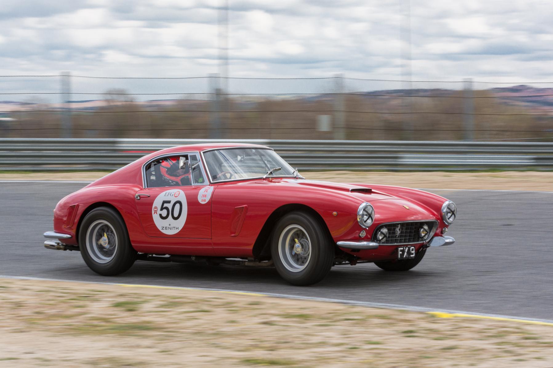 Red Ferrari 250 GTO