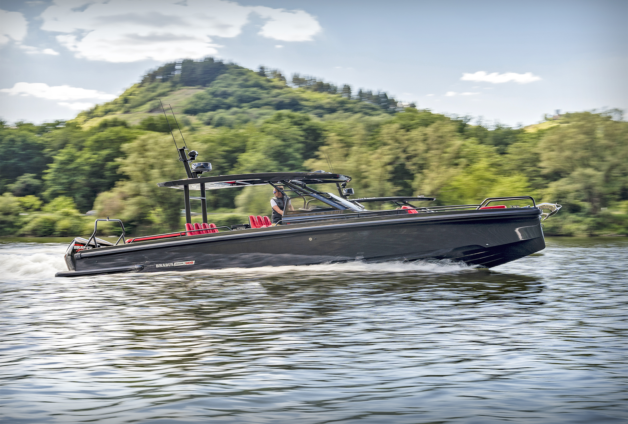 Brabus Shadow 900 Superboat by Axopar