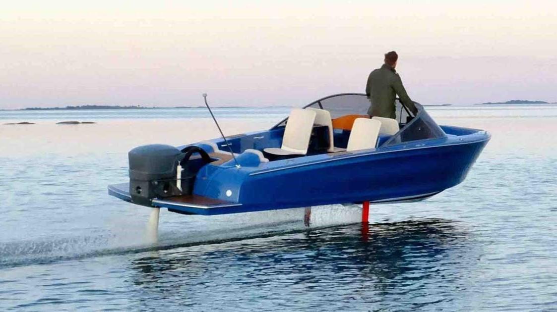2021 Candela 7 Electric Hydrofoil Speedboat