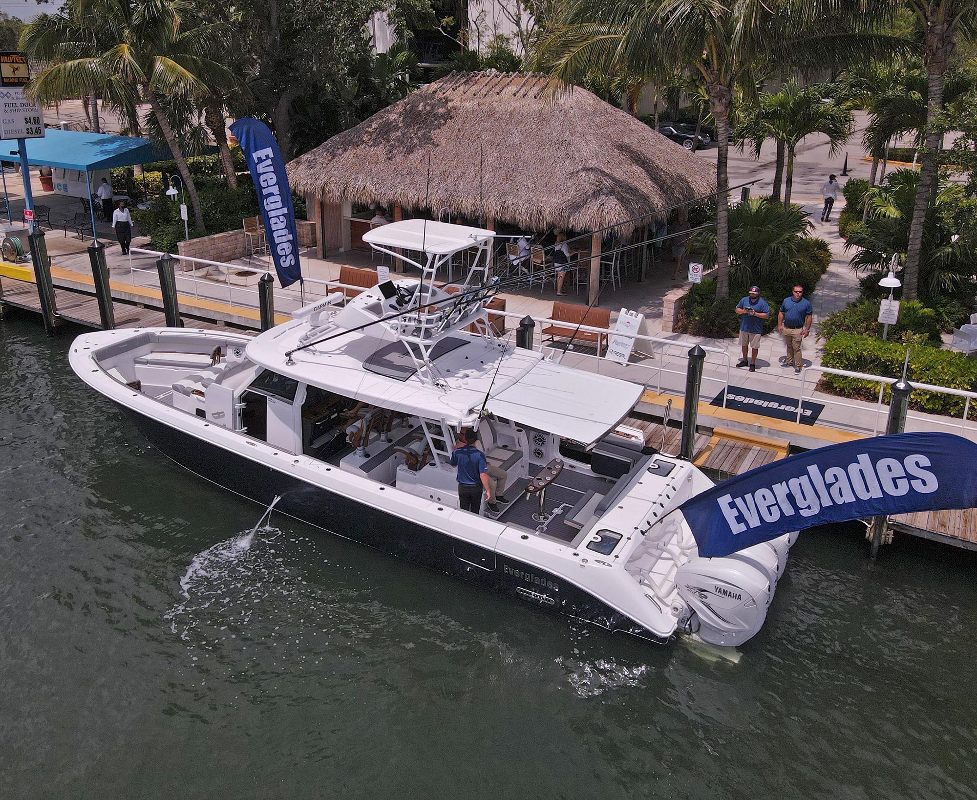 2022 Everglades 455cc Center Console Boat