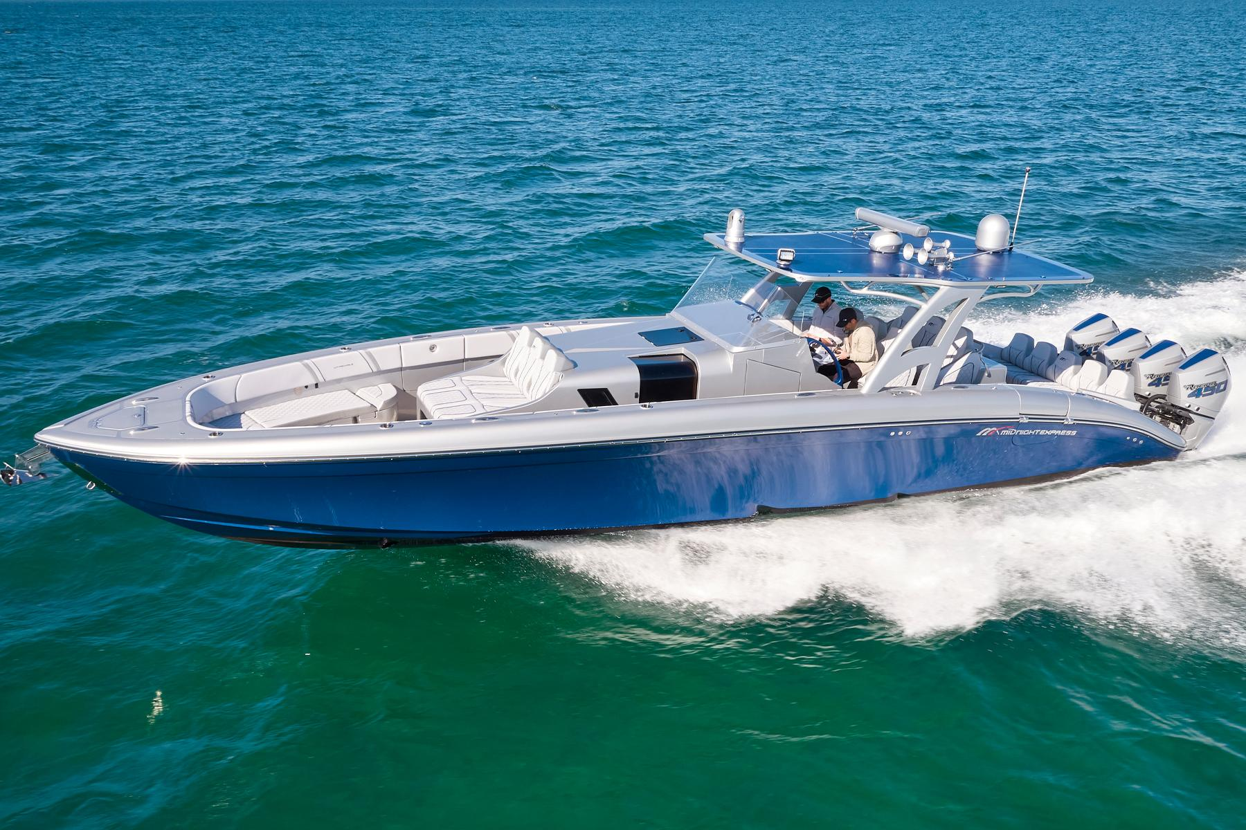 Midnight Express 43 Solstice Center Console Boat