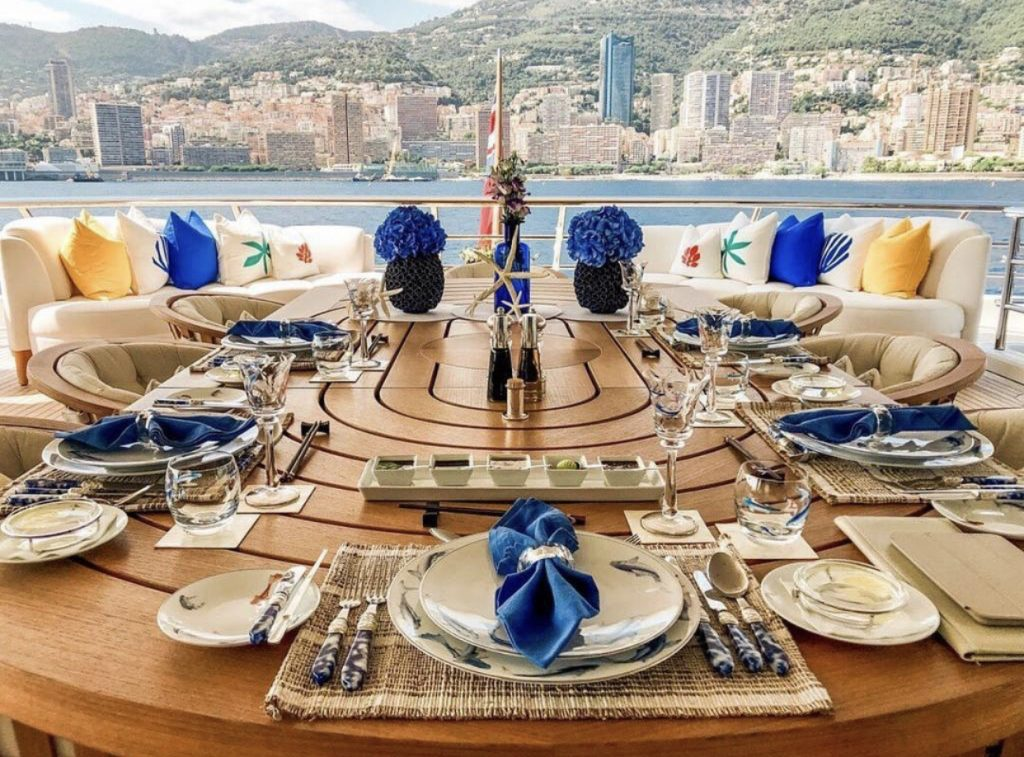 Superyacht_tablescape_byzantine_blues