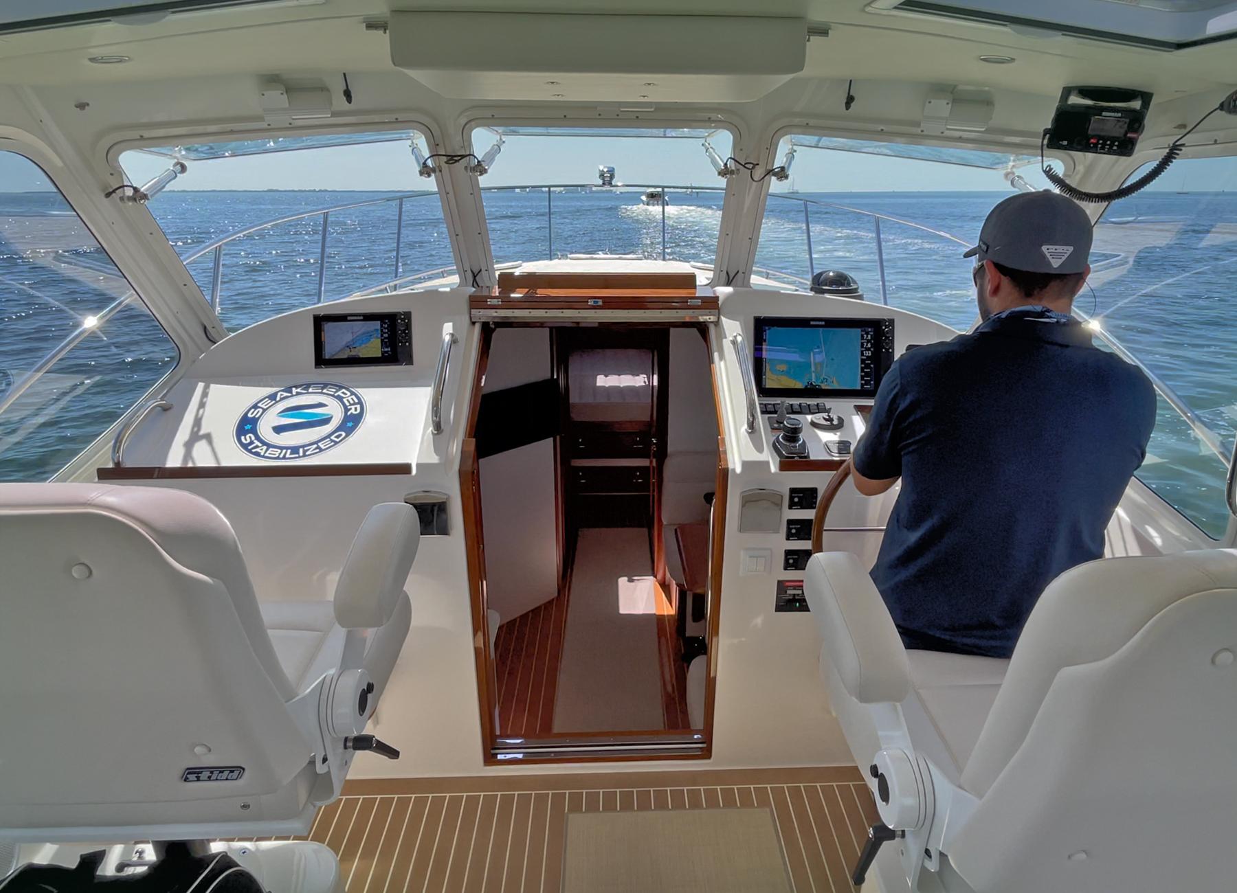 MJM Yachts 43z Helm Controls