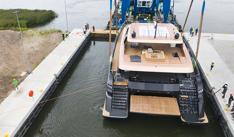 100 Sunreef Power Splashes Into Water For Sea Trials